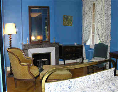 blue room of chateau Massal